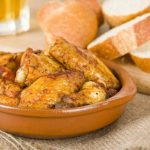 alitas de pollo frito al ajillo