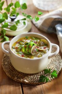 Guiso de soja verde con almejas
